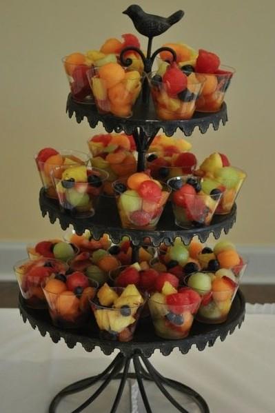 Etagère met fruitbakjes